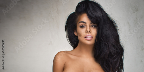Fotografia  Sexy woman with long hair posing.