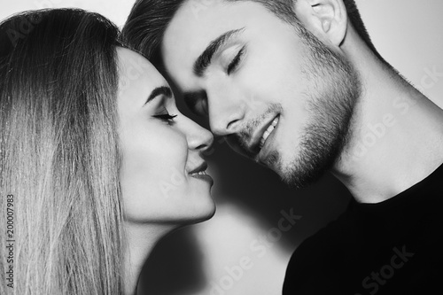 Photo  Close-up of beautiful couple kissing