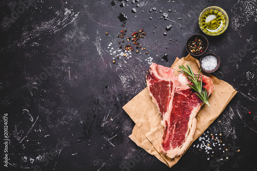 Staande foto Vlees Raw marbled meat steak