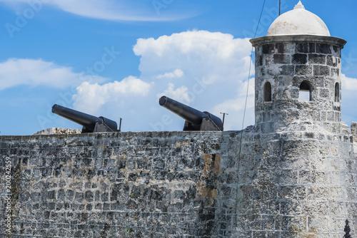 Tuinposter Havana Castillo de los Tres Reyes del Morro ist eine Festung im kubanischen Havanna