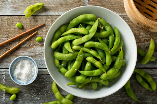 Steamed Edamame with Sea Salt