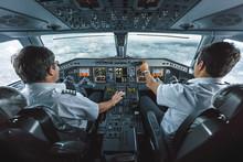 Embraer 190 Cockpit