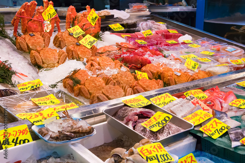 Vászonkép 東京築地市場 鮮魚店の風景