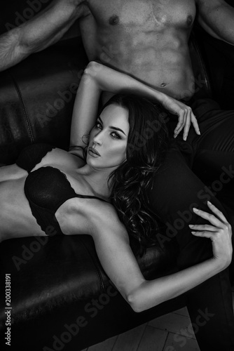 Cadres-photo bureau Artiste KB Black&white portrait of a sensual couple