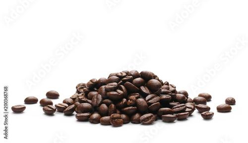 Palowe kawowe fasole odizolowywać na białej teksturze i tle