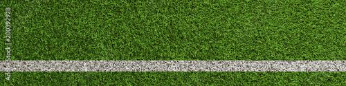 Fotomural Linie auf Rasen vom Fußball Spielfeld als Panorama