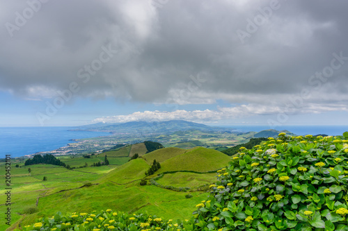 Poster Donkergrijs landscape view over Miradouro da Grota do Inferno, in Sao Miguel, Azores Portugal.