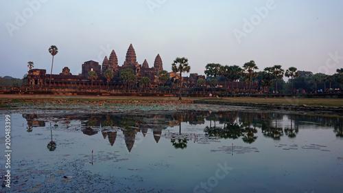 Spoed Fotobehang Bedehuis afternoon at angkor wat temple