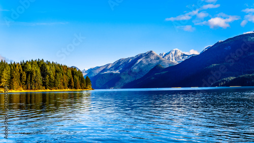 Valokuva  Pitt Lake with the Snow Capped Peaks of the Golden Ears, Tingle Peak and other M