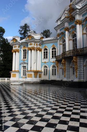 Foto op Plexiglas Historisch geb. Hermitage in Catherine Park in Tsarskoye Selo in Pushkin near St. Petersburg. The Hermitage the Hermitage in the grove. The Hermitage of the Empress Catherine II.