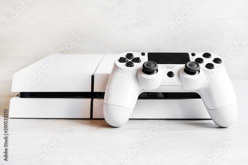 Fotografía  console games and remote control, play computer games, entertainment, virtual wo