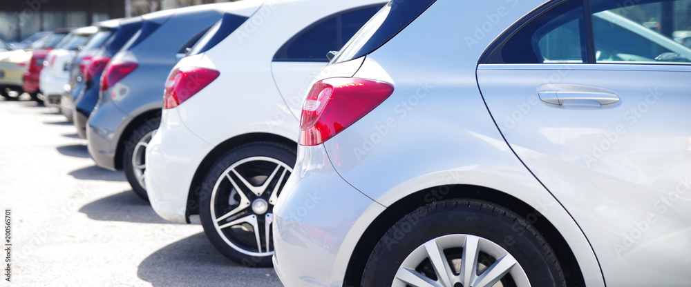 Fototapety, obrazy: Autos in einer Reihe