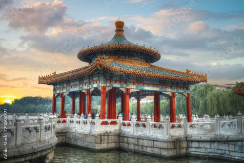 Deurstickers Peking Beihai Park is an imperial garden