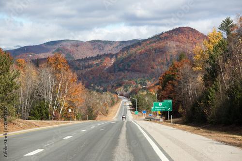 Keuken foto achterwand Turkoois Road in autumn