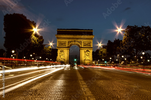 Papiers peints Paris Night view of Arc de Triomphe, Paris