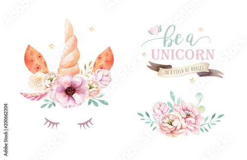 Photo Isolated cute watercolor unicorn clipart with flowers