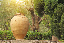 Large Ceramic Terracotta Pot I...