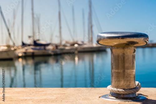 Carta da parati metal mooring for recreational boats in marina