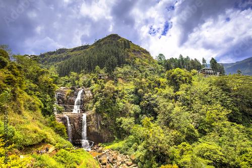 Montage in der Fensternische Wasserfalle Ramboda falls, Sri Lanka
