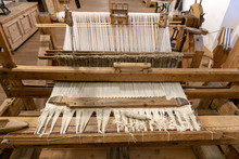 Old Loom Antique Weaving Sewin...