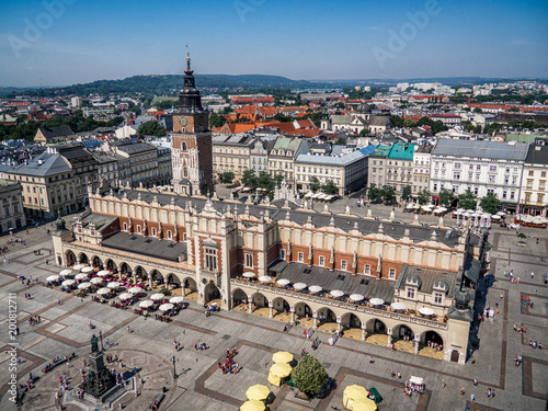 Foto op Plexiglas Krakau Old city center view with Cloth Hall in Krakow