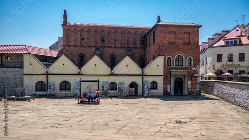 Obraz na płótnie Stara Synagoga na historycznym Kazimierzu, stara dzielnica żydowska w Krakowie