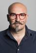 Leinwanddruck Bild - Occhiali rossi e baffi