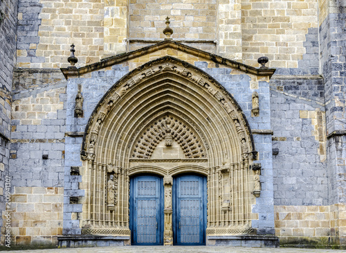 Photo  The Iglesia Santa Maria church in Gernika, a historic town in the province of Biscay (Bizkaya), Spain