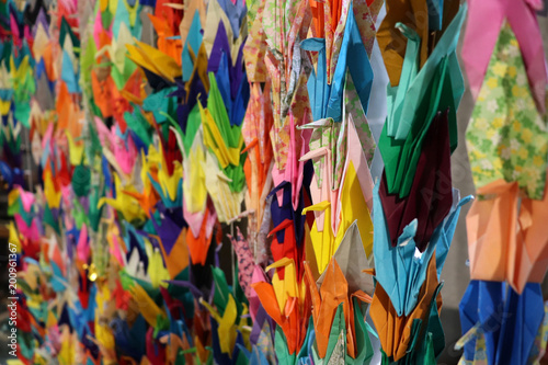 Deurstickers Paradijsvogel Background of Lots of Rainbow Coloured Origami Animals