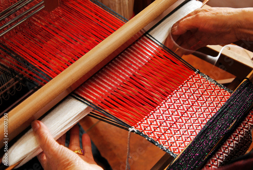Fotografija Traditional weaving hand loom for carpets in Taiwan