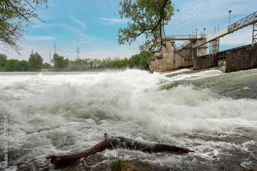 Staande foto Dam Old Dam in the Adige River - (Diga del Pestrino) Verona Italy