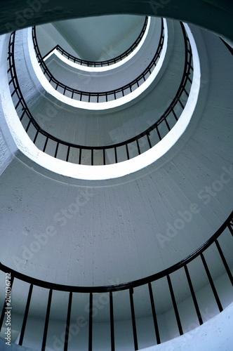 Tuinposter Trappen винтовая лестница вид снизу