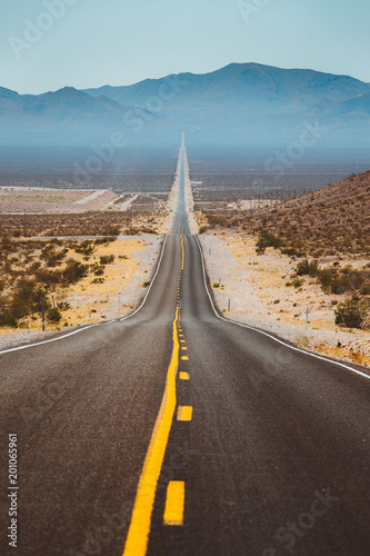 Tuinposter Verenigde Staten Classic highway scene in the USA