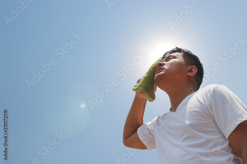 Fotografia Young man and heat stroke.