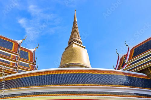Deurstickers Bedehuis Wat Ratchabophit buddist temple in Bangkok, Thailand