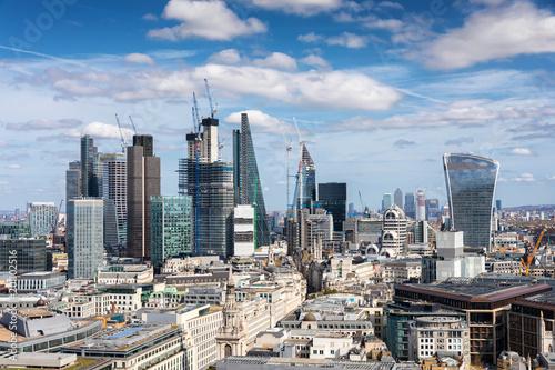 Foto op Plexiglas Japan Die City von London an einem sonnigen Tag, Großbritannien
