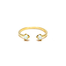 Delicate Gold Ring With Gem