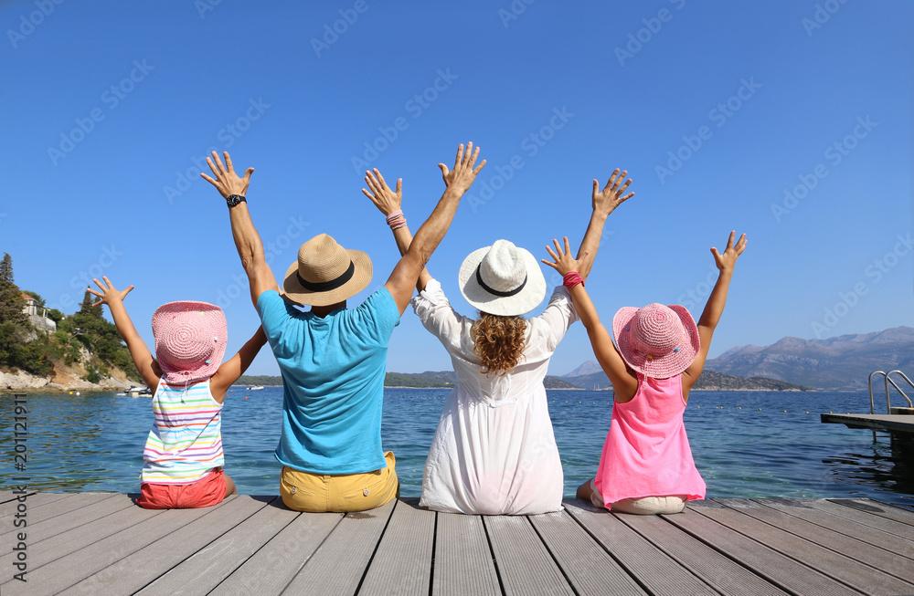 Fototapeta family on sea resort