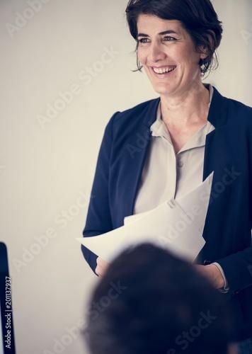 Papiers peints Statue Businesswoman in office
