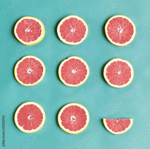 Fotografia  Aerial view of colorful citrus slices