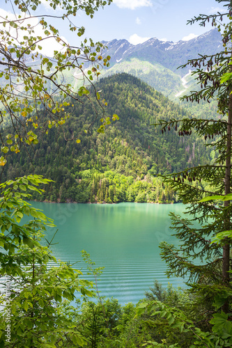 Photo Alpine lake Ritsa in Abkhazia
