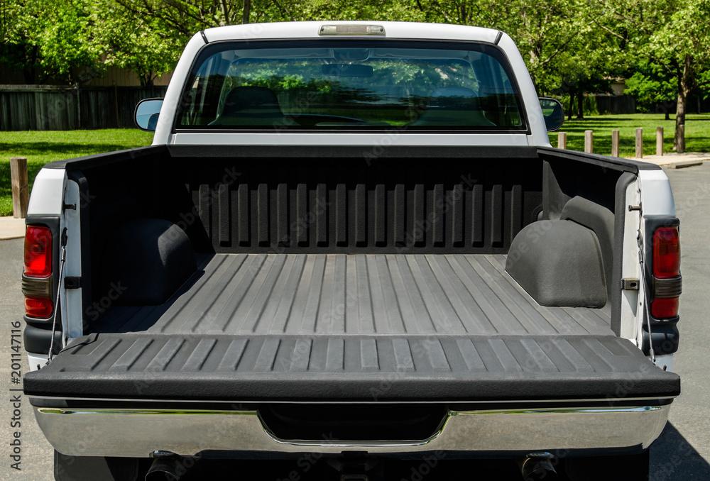 Fototapety, obrazy: White Truck Bed