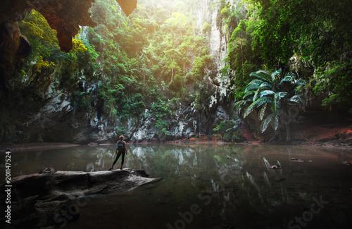 Fotografia Traveller stay at the Princess Lagoon,Phra Nang,Krabi provinve,Thailand
