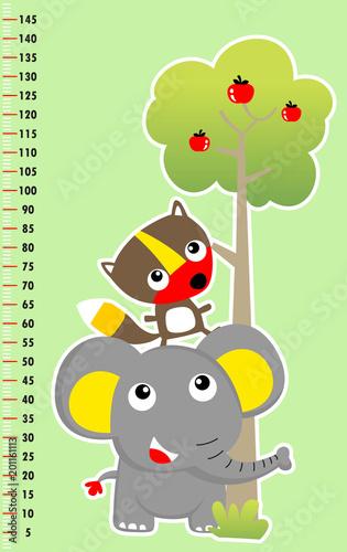 metr ściany z śmieszne zwierzęta i drzewa, ilustracja kreskówka wektor