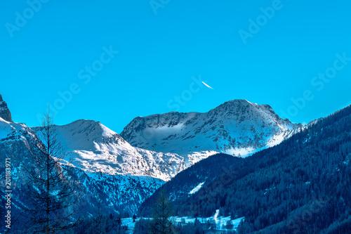 Fotobehang Lichtblauw White mountain landscape