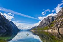 Padling Lysefjorden, Norway