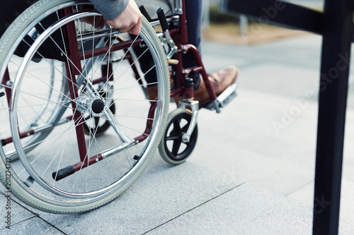 Deurstickers Fiets Man in wheelchair
