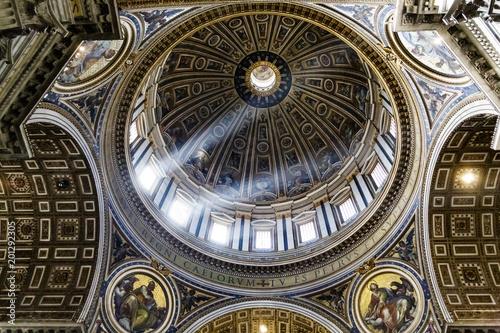 Fotografie, Obraz  Light Through Dome Inside Saint Peters