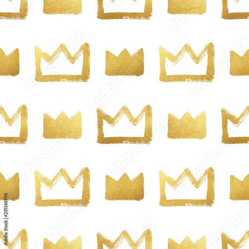 Photo  Brush drawn shining golden crowns isolated on white