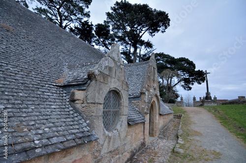 Poster Monument La chapelle de Port-Blanc et son calvaire. Bretagne